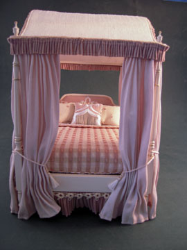 "dlm01 1"" scale dressed bespaq canopy bed"