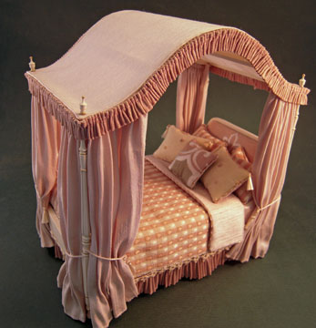 "dlm01 1"" scale dollhouse linens and more dressed bed"