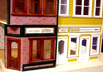 "7002 1"" scale main street close up"