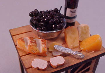 mm475 1/2&quot; scale cheese and wine table