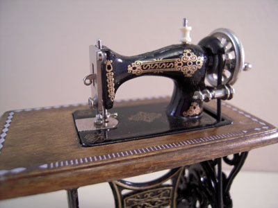 "1"" scale Reutter Porcelain metal sewing machine"