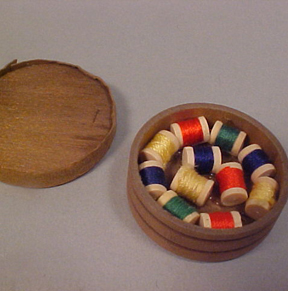 "1"" Scale Round Thread Box"