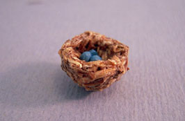 "All Through The House 1/2"" Scale Hand Crafted Bird's Nest With Eggs"