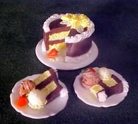 "1"" Scale Chocolate Cake with Two Dishes"