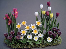 "Falcon 1/2"" Scale Tulip Landscape Garden Flowers"