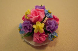 "1/2"" Scale Centerpiece With Mixed Flowers"