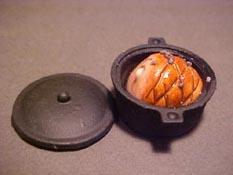 """1"""" Scale Ham In A Black Pot"""