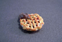 """1/2"""" Scale Hand Crafted Mouse In A Cherry Pie"""