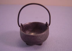 "1"" Scale Olde Mountain Miniatures Iron Kettle"