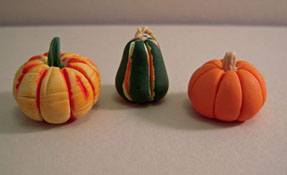 "1"" Scale Miniature Set Of Three Gourds"