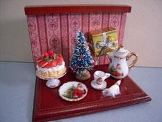 """Reutter Porcelain 1"""" Scale Miniature Christmas Coffee Vignette"""