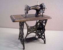 "1"" Scale Miniature Reutter Porcelain Metal Sewing Machine"