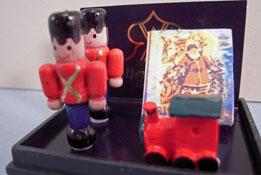 """Reutter Porcelain 1"""" Scale Miniature Toy Soldier Set"""