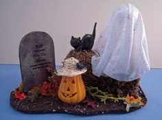 "1"" Scale Serendipity Hand Crafted Spooky Halloween Ghost & Tomb Stone"