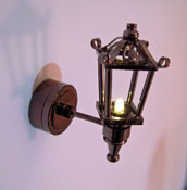 "1"" Scale Battery Operated Fancy Silver Black Coach Lamp"