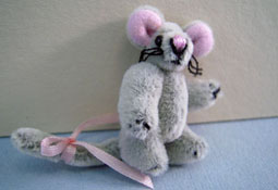 "World Of Miniature Bears 1"" Scale Gray Toy Mouse"
