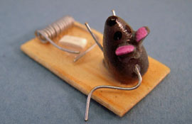 "World Of Miniature Bears 1"" Scale Trapped Mouse"