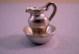"Warwick 1/2"" Scale Miniatures Wash Stand Pitcher and Bowl"