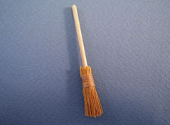 "1/2"" Scale Miniature Straw Broom"