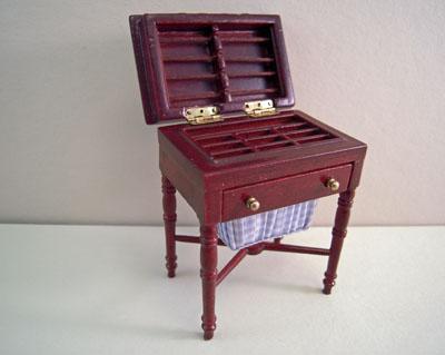 Miniature Mahogany Bespaq Bespoke Tailoring Sewing Stand 1