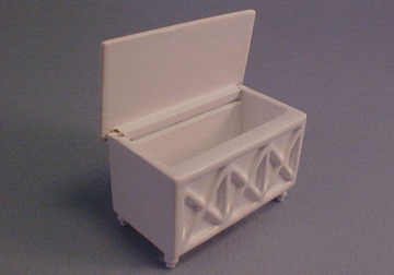 a242.5 lees line white toy box