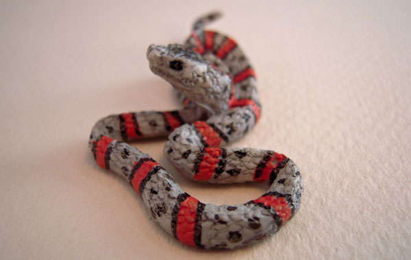 Gray Banded King Snake Dollhouse Miniature 1:12 Scale