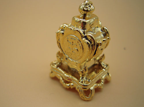 Falcon Small Golden Mantle Clock 1:12