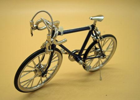 Blue Racing Bike 1:12 Scale