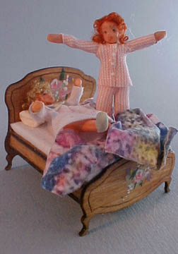 "gd001b 1/2"" dolly bed with dolls"