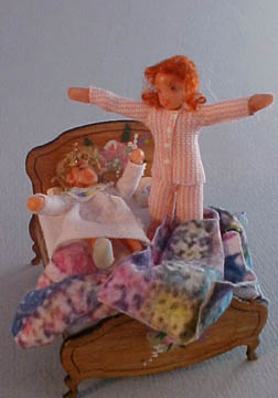 "gd001d Gayle Dolls Dolly Bed 1/2"" Scale"