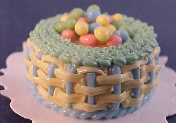 "k1094 1"" scale easter egg basket cake"