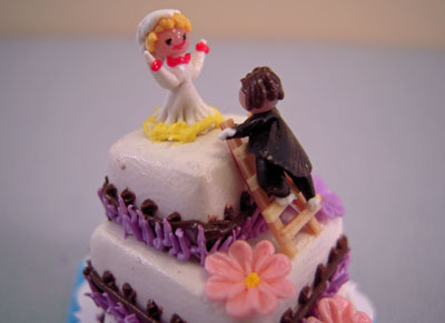 """k1118 bright delights 1"""" scale wedding cake with groom"""
