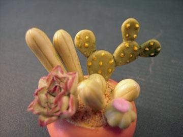 """kkp003 1"""" scale ceramic cactus"""