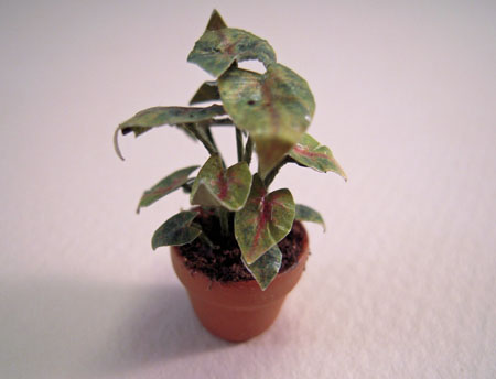 Falcon Potted Green with Pink Plant 1:24