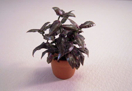 Falcon Potted Green with Shiny Leaves Plant 1:24 scale