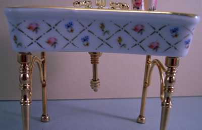 "1"" scale miniature reutter porcelain gold crosshatch single sink"