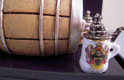 "Reutter Porcelain 1"" Scale Miniature Beer Barrel with Steins"