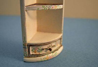 "1/2"" scale miniature Bespaq Emporium End Corner Shelf"