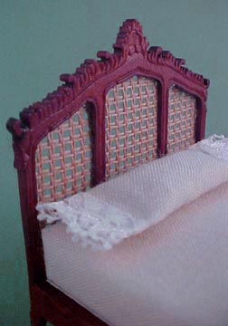 """s2070mh 1/2"""" scale eloise bed"""