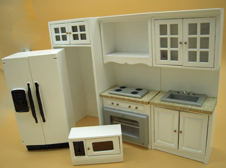 Townsquare Three Piece White Kitchen Set 1:12 Scale