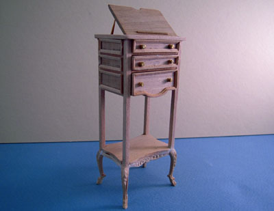Bespaq Unfinished Library Stand 1:12 scale