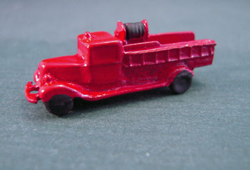 Island Crafts Metal Toy Little Red Fire Engine 1:12 scale