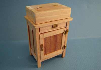 Bespaq Unfinished Craftsman Flip Top Bar 1:12 scale