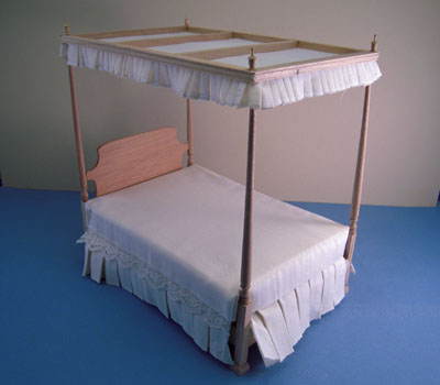 Bespaq Unfinished Duncun Phyfe Canopy Bed 1:12 scale