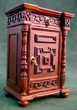 Bespaq Wexburgh Royal Night Stand 1:12 scale