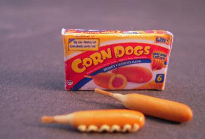 Bright deLights Corn Dogs With A Box 1:12 scale