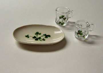 By Barb Shamrock Oval Tray and Beer Steins 1:24 scale
