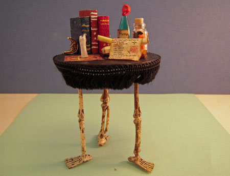 Three Legged Halloween Table 1:12 scale