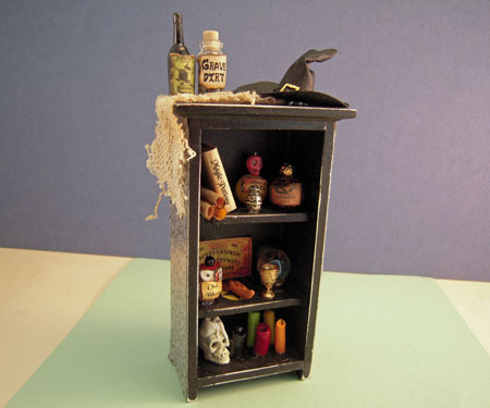 Filled Witch's Hutch 1:12 scale
