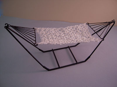 Townsquare Miniatures Free Standing Black Hammock 1:12 scale